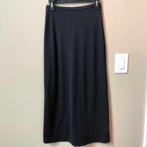 Dresses & Skirts - Women's black knit skirt